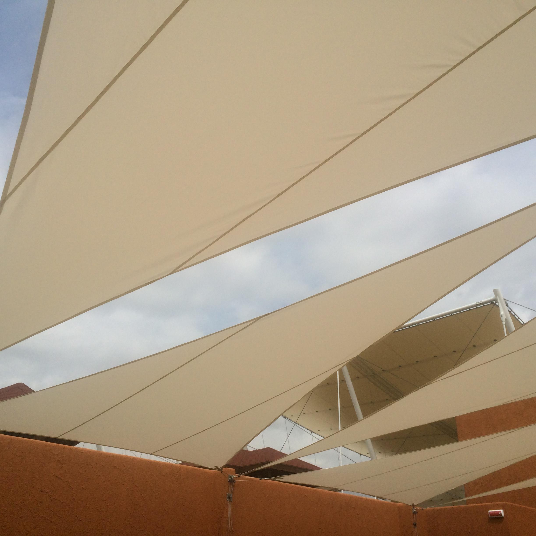 composiazione tende triangolari a vela