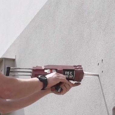 installazione piastra parete per vele ombreggianti